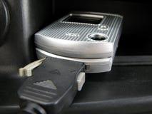 Telefono di carico delle cellule Fotografie Stock