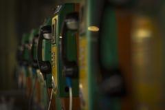 Telefono di paga tradizionale alla stazione Fotografia Stock