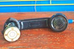 Telefono nero del microtelefono tagliato fotografie stock
