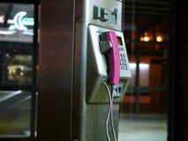 Telefono pubblico rosa Fotografie Stock