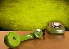 Telefono verde dell'annata immagini stock
