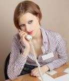 telefonu biurowy pracownik Zdjęcia Royalty Free