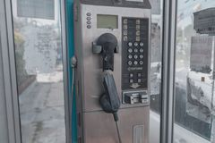 Telefonu budka porzucający i niszczący w Thailand, obrazy stock