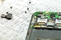 Telefonu komórkowego naprawianie fotografia stock
