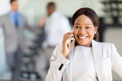 Telefoon van de ondernemers de sprekende cel royalty-vrije stock foto
