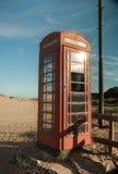 telefoondoos op het strand! royalty-vrije stock afbeeldingen