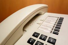 Telefoonontvanger in een hotelruimte Stock Fotografie