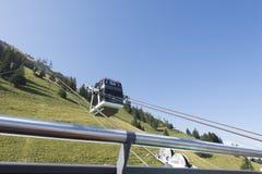 Teleférico de la cubierta del doble de Cabrio, Stanserhorn Fotografía de archivo