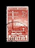 Telegraphenmast und Schlüssel, 100. Jahrestag der Einweihung des Fernschreibers in Australien, circa 1954, Stockbild