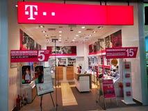 Telekom sklepu inddor przy centrum handlowego Baneasa zakupy miastem w Bucharest zdjęcie royalty free