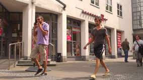 Telekom-Winkel stock footage