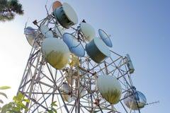 Telekommunikation auf dem Himmel stockfoto