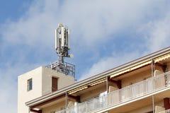 Telekommunikation und Mobilantennen stockfotografie