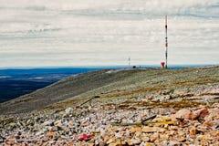 Telekommunikationer står högt överst av Fjellen Royaltyfria Foton
