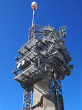 Telekommunikations-Turm im Schnee Lizenzfreie Stockbilder