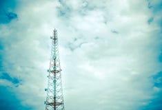 Telekommunikationsantenne Lizenzfreies Stockfoto