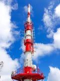 Telekommunikationsantenne auf dem Berg von La Rhune in den atlantischen Pyrenäen Grenze zwischen Spanien und Frankreich stockfoto