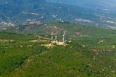 Telekommunikationskontrolltürme, von der Luft Stockfotografie