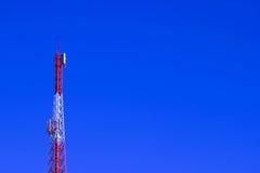 Telekommunikationskontrollturm Lizenzfreie Stockfotos