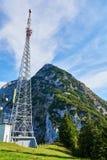 Telekommunikationsmast in den ländlichen Gebieten Salzkammergut-Region, Ober?sterreich lizenzfreie stockbilder