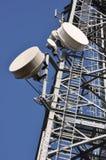Telekommunikationtorn med antenner Fotografering för Bildbyråer
