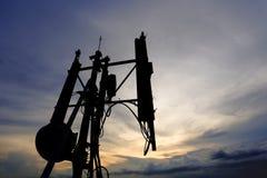 Telekommunikationtorn och antenn Arkivfoton