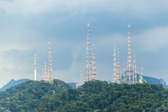 Telekomunikacja góruje zdjęcia stock