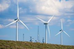 telekomunikacje górują turbina wiatr Obrazy Stock