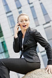 Telephoning businesswoman Royalty Free Stock Images
