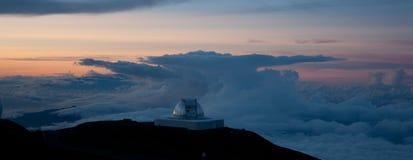 Telescópio de rádio em Mauna Kai fotos de stock