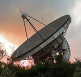 Telescópio do radar que pesquisa corpos astronômicos Imagem de Stock Royalty Free