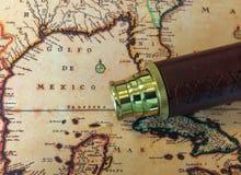 Telescópio e mapa de bronze II Fotos de Stock