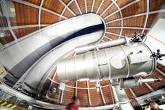 Telescópio moderno da astronomia em um obervatório astronômico fotografia de stock