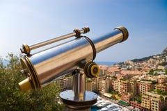 Telescoop in een populaire toeristenplaats Stock Foto