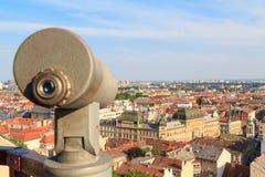 Telescoop op een gezichtspunt in Zagreb, Kroatië royalty-vrije stock fotografie