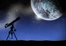 Telescope under a space lanscape Royalty Free Stock Photos