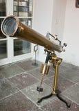 Telescopio antiguo del espejo Fotografía de archivo libre de regalías