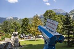 Telescopio azul para mirar el Kehlstein, Alemania, 2015 Imágenes de archivo libres de regalías
