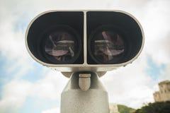 Telescopio binoculare, annata del primo piano tonificata Fotografie Stock