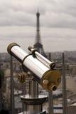 Telescopio con la torre de Effel Fotos de archivo libres de regalías