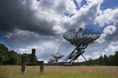 Telescopio de radio Arra de la síntesis Imagenes de archivo
