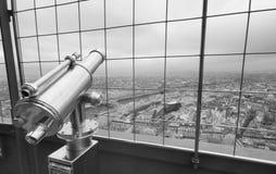 Telescopio en el horizonte de París, visión infrarroja Fotos de archivo libres de regalías