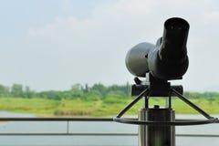 Telescopio en parque del humedal Imágenes de archivo libres de regalías