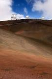 Telescopios en el volcán de Mauna Kea, isla grande, Hawaii Fotos de archivo
