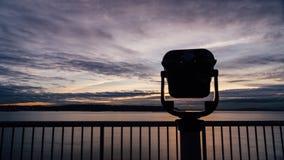 Teleskop på solnedgången arkivfilmer