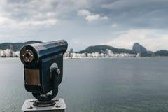 Teleskop w Copacabana plaży, Brazylia obraz stock