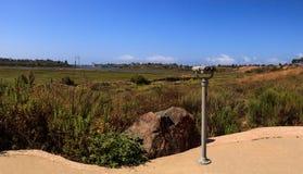 Teleskopu widz wskazujący przy Górną Newport zatoki naturą Preserv Obrazy Royalty Free