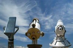 Teleskopzuschauer (touristische Art Teleskop) Stockfotos