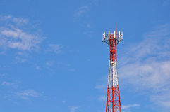 teletechnicznemu anten błękitnemu z nieba Fotografia Stock