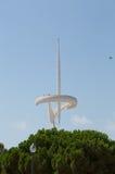 Teletower op de berg Monzhuik in Barcelona stock afbeelding